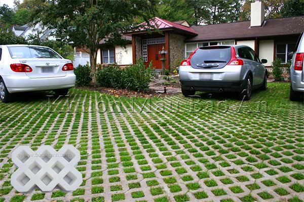 Khuôn gạch trồng cỏ 8 lỗ