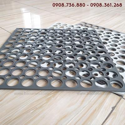 Tấm pallet nhựa lót gạch (có lỗ) - Mã 006092
